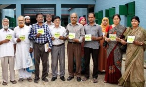 Rosatom distributes books on neclear energy among pabna students