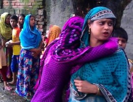 bagerhat women waiting for wherabouts of missing fishermen