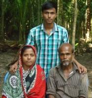 Mehedi Hasan with parents