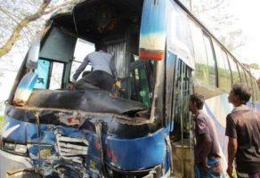 Jhinaidah bus accedent